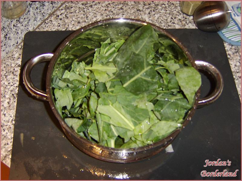Blätter abwaschen und zerkleinern