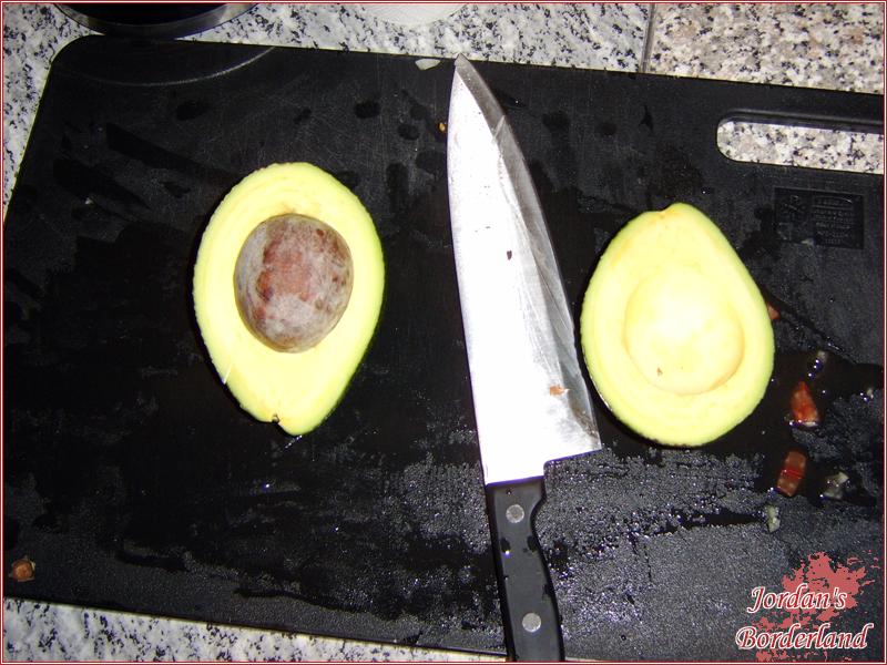 Avocado vom Kern befreien