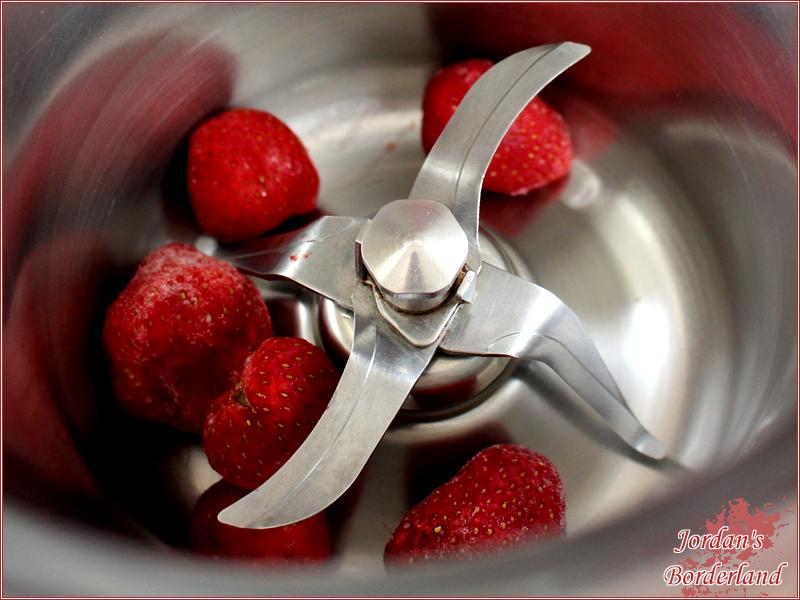 Erdbeeren pürieren