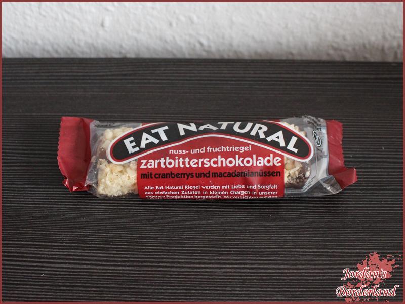 Eat Natural Zartbitterschokolade mit Cranberrys und Macadamianüssen